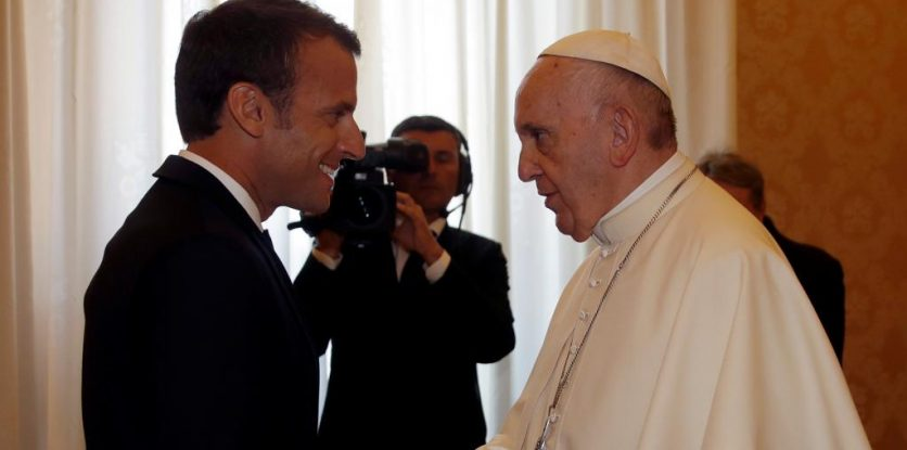 Ferenc pápa, MAcron