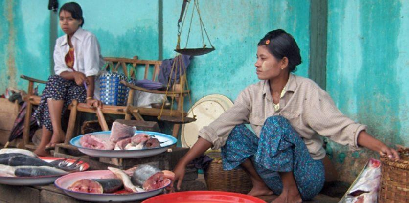 éhező nők Myanmar